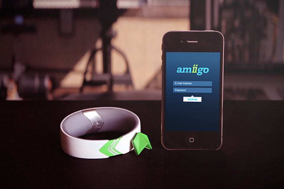 Amiigo – Fitness Wristband for iPhone and Android