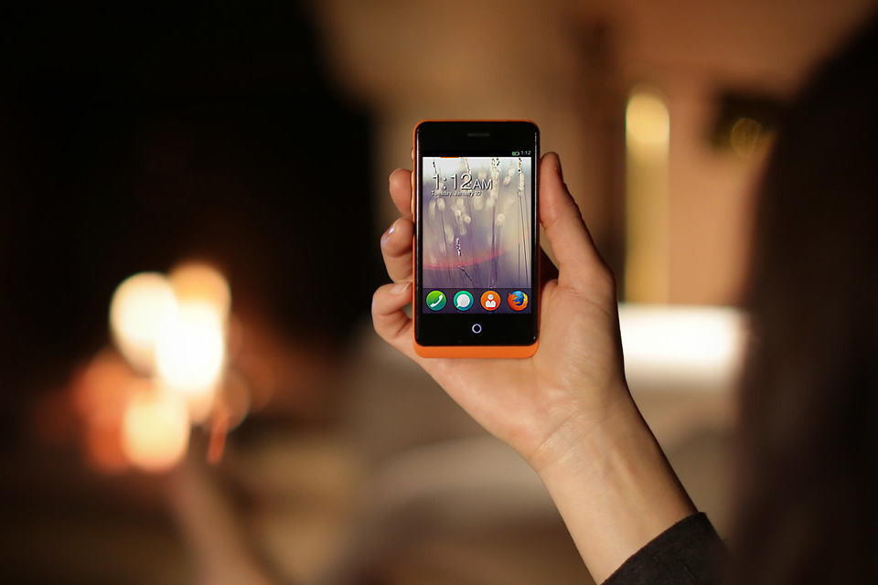 Firefox OS Developer Preview Phones by Geeksphone - the Keon
