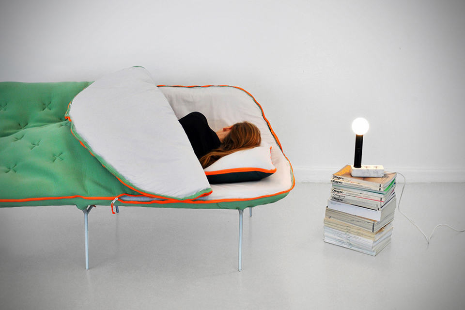 Camp Daybed - sleeping bag with legs for your home