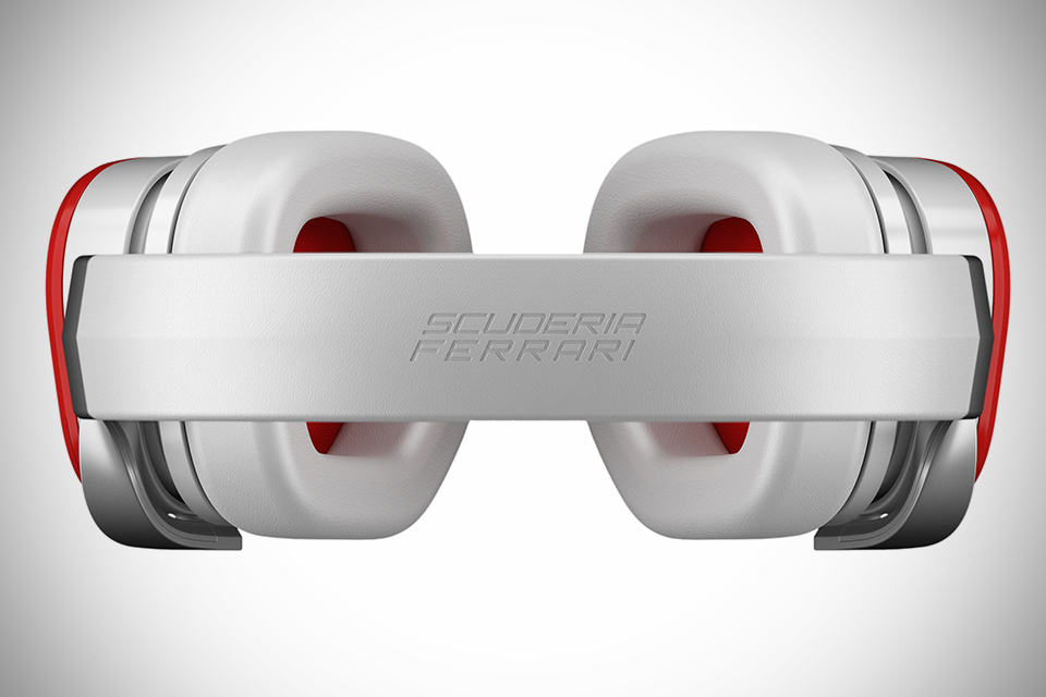 Ferrari R300 Noise-canceling Headphones by Logic3