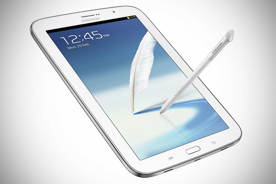 Samsung GALAXY Note 8.0 Tablet - White quarter Front with S-Pen