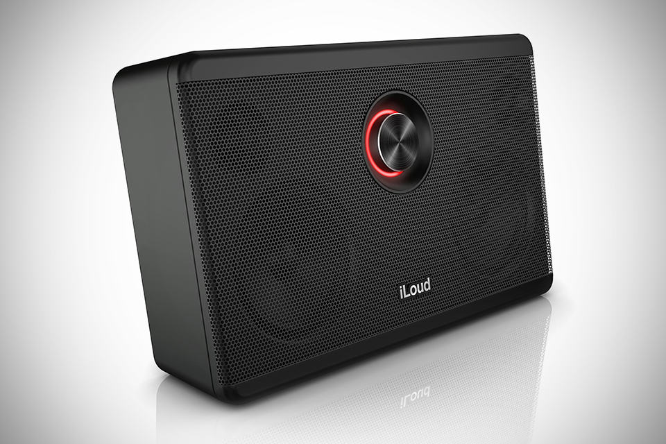 iLoud Portable Studio Monitor - black on black front