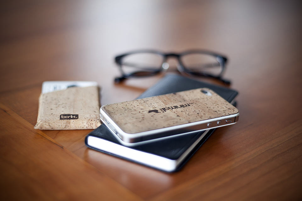 Bark Minimalist Cork Wallet & iPhone Accessories