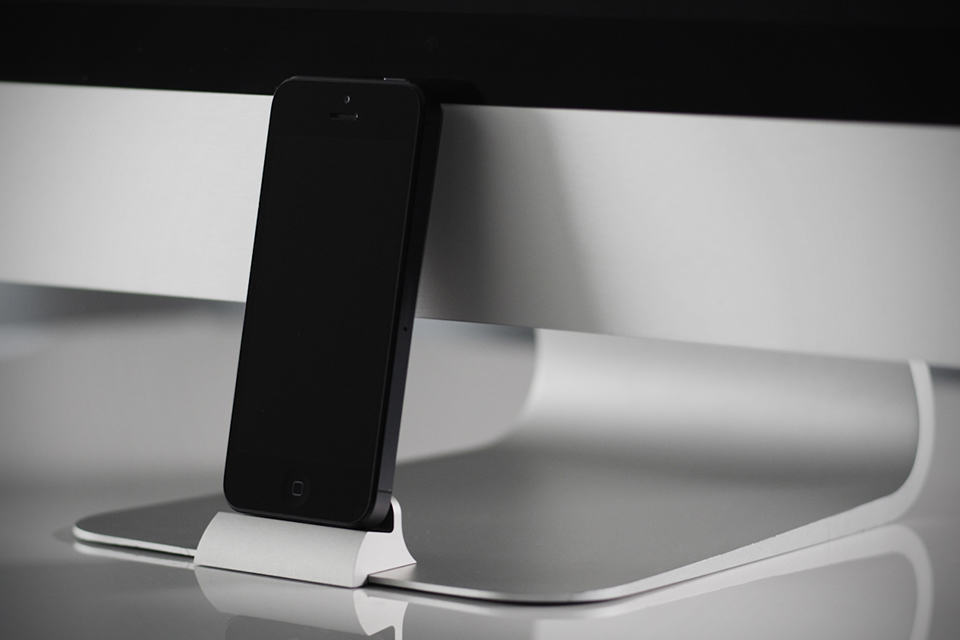 The OCDock - iPhone Dock for iMac and Apple Displays