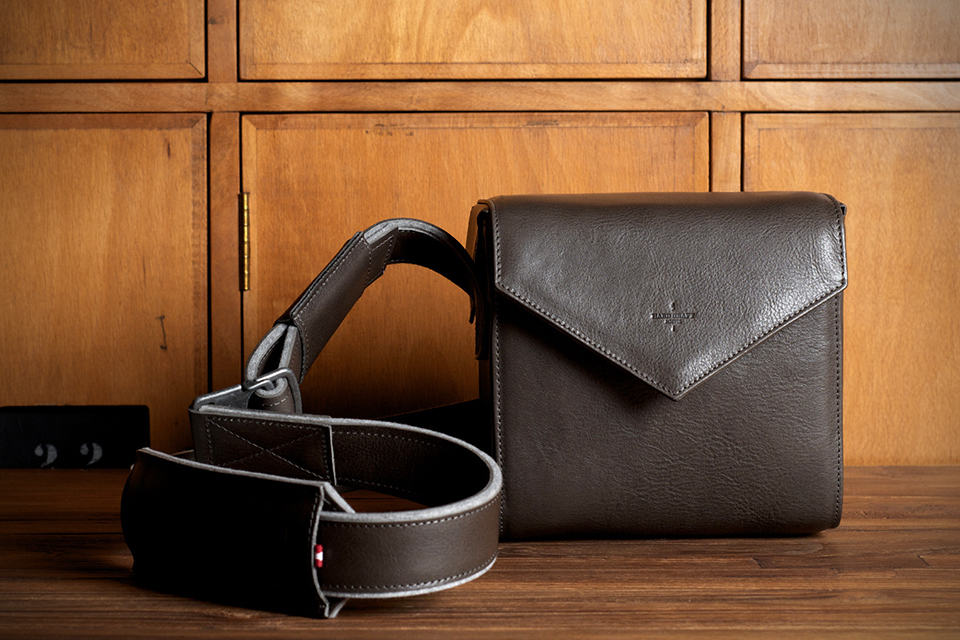 Hard Graft Frame1 Leather SLR Camera Bag / Smoke