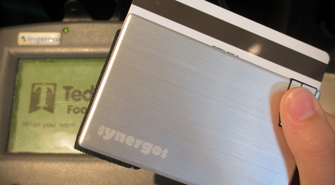 Synergos Minimalist Wallet with USB Flash Drive