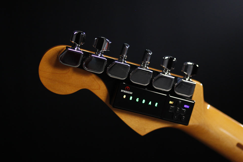 tronicaltune automatic guitar tuner mikeshouts. Black Bedroom Furniture Sets. Home Design Ideas