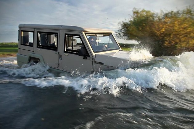 Amphicruiser - 4x4 Amphibious Vehicle