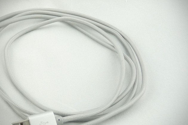 Lightning Rabbit Fabric-Wound Cables Review