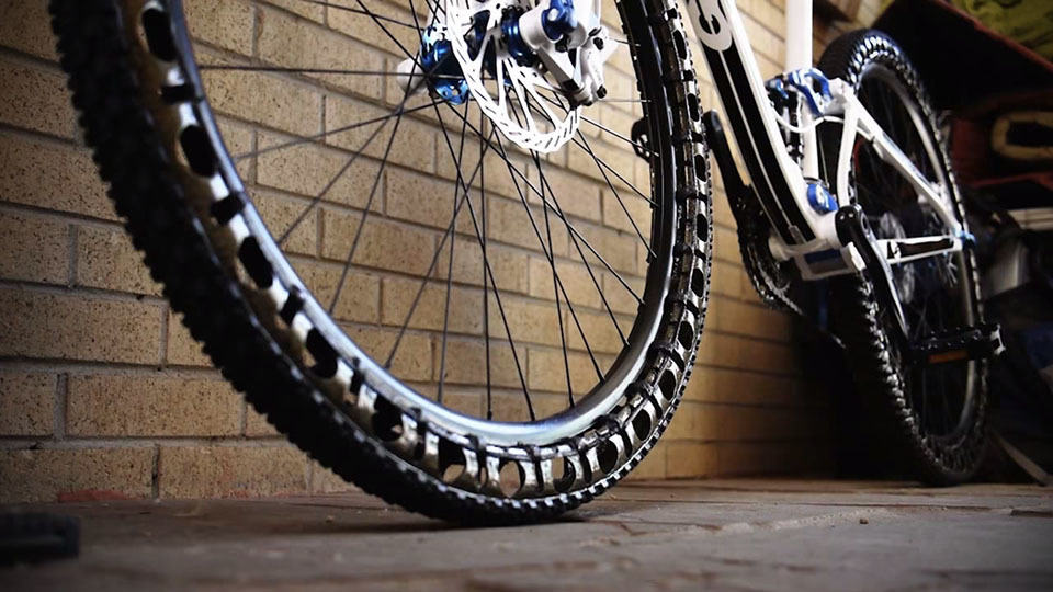 britek brings airless tires to the bicycle world mikeshouts. Black Bedroom Furniture Sets. Home Design Ideas