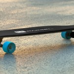 This Electric Skateboard Lets You Use Your Smartphone As The Remote Control