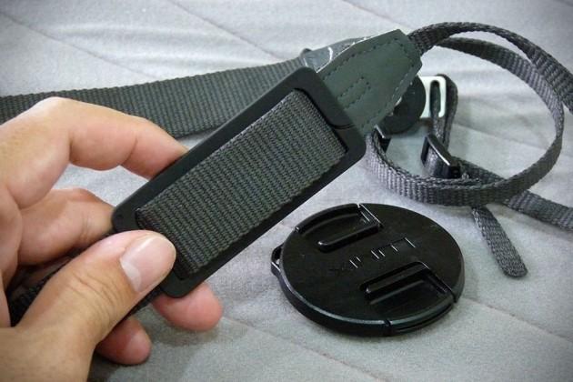 Hufa Lens Cap Holder - S