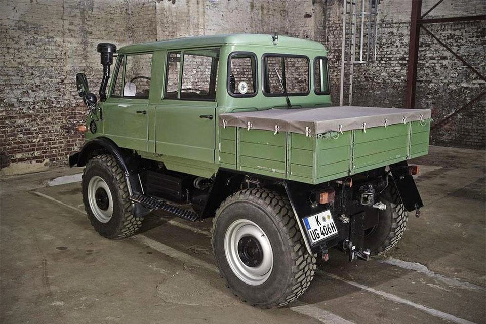 Freightliner unimog u500 for sale in usa autos post for Mercedes benz trucks for sale in usa