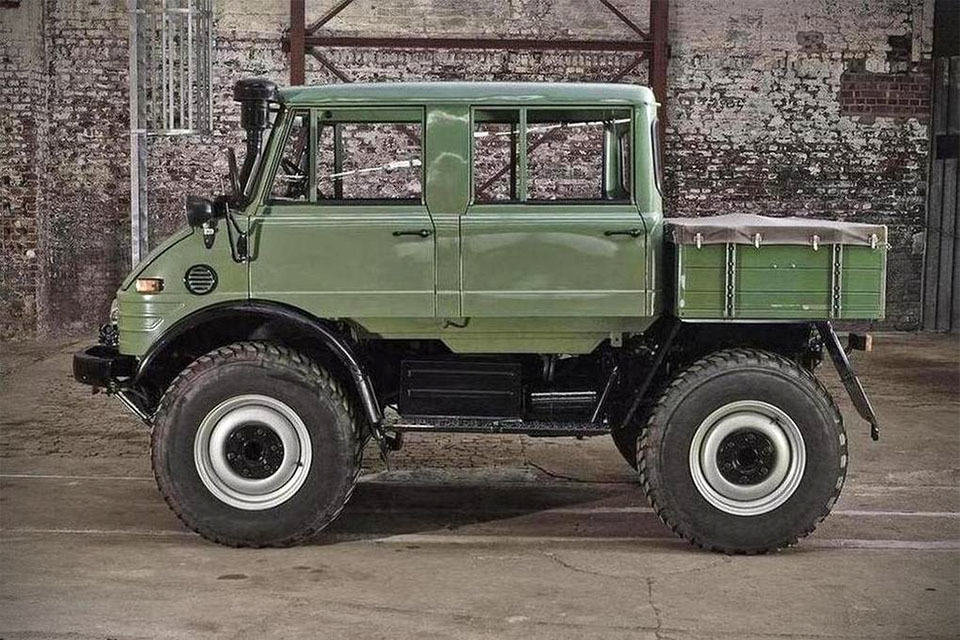 You won 39 t believe this beautiful unimog is nearly four for Mercedes benz 4x4 truck
