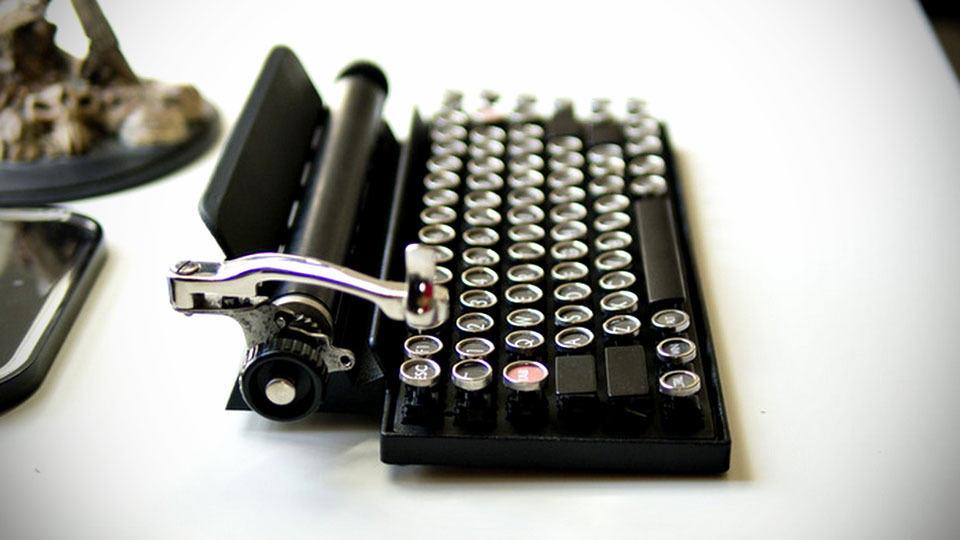 Qwerkywriter Goes Old School Lends Vintage Typewriter