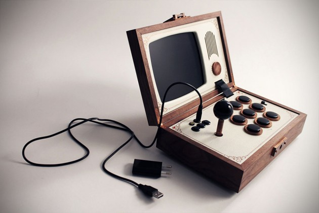 R-Kaid-R Portable Arcade Gaming Device by Love Hulten