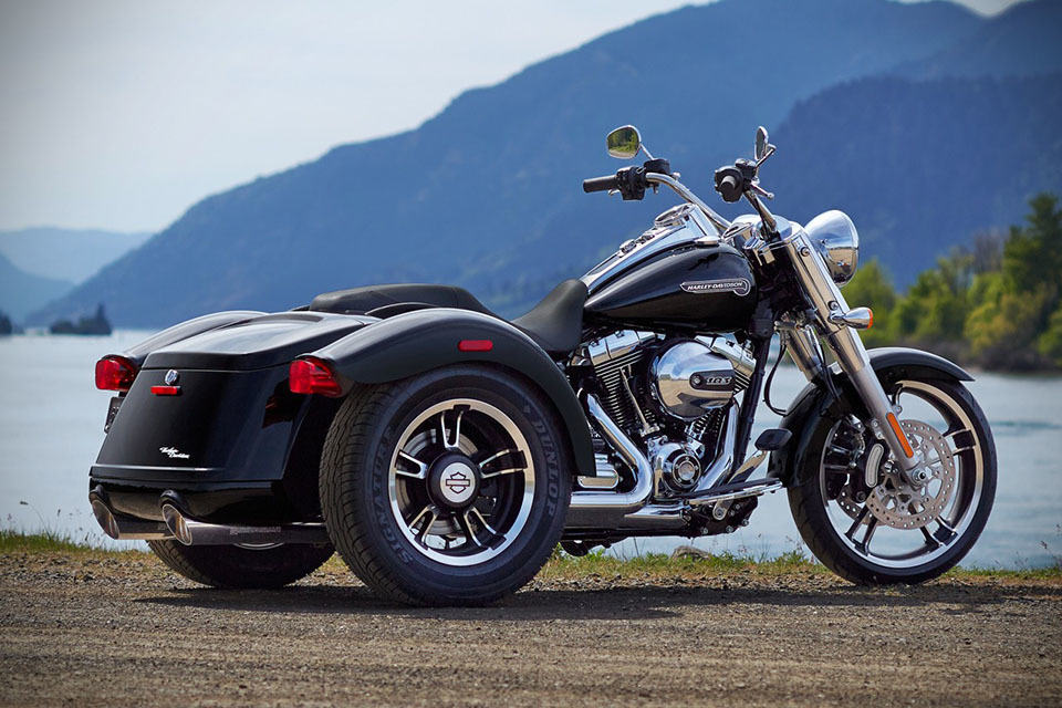 2015 harley davidson freewheeler trike a touring bike with cargo space but with a pricey. Black Bedroom Furniture Sets. Home Design Ideas