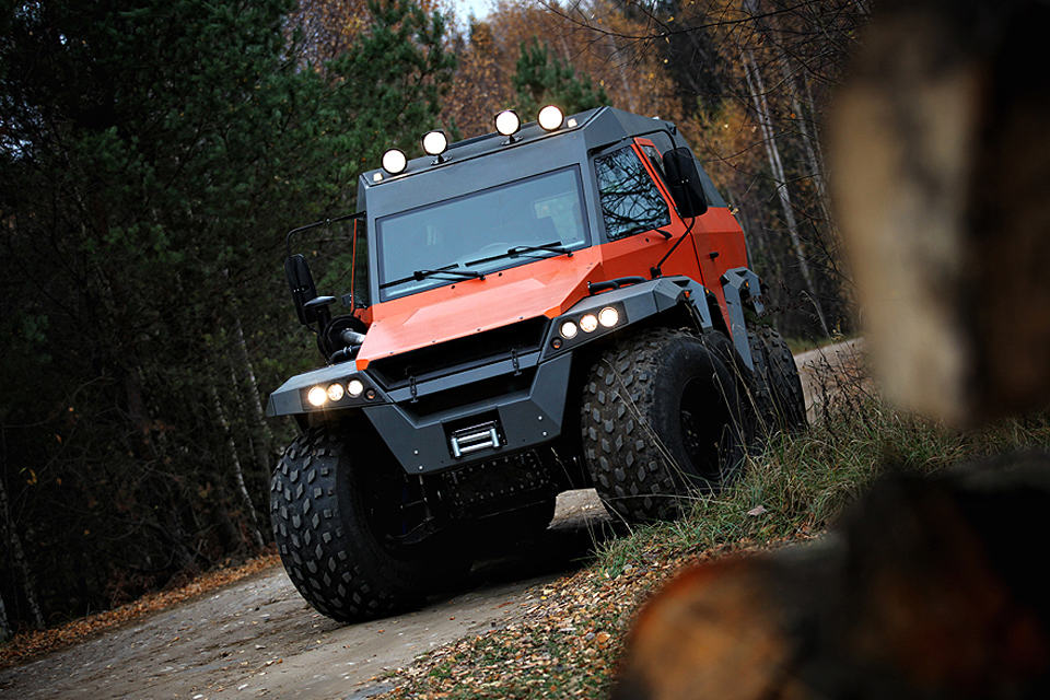 Avtoros Shaman 8x8 ATV Is An Offroad Beast That Can Maneuver