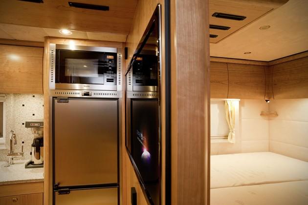 Mercedes-Benz Zetros With Mobile Home Body