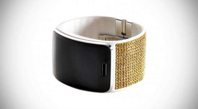 Swarovski Adds Samsung Gear S Strap Peppered With Fine Crystals To Its Swarovski For Samsung Collection