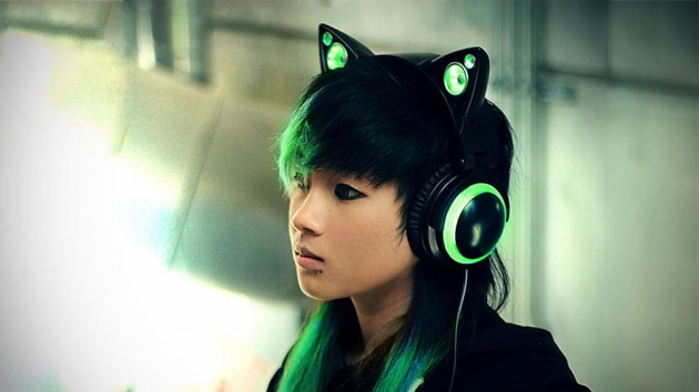 meet the new age cat ear boombox that is also a pair of headphones mikeshouts. Black Bedroom Furniture Sets. Home Design Ideas