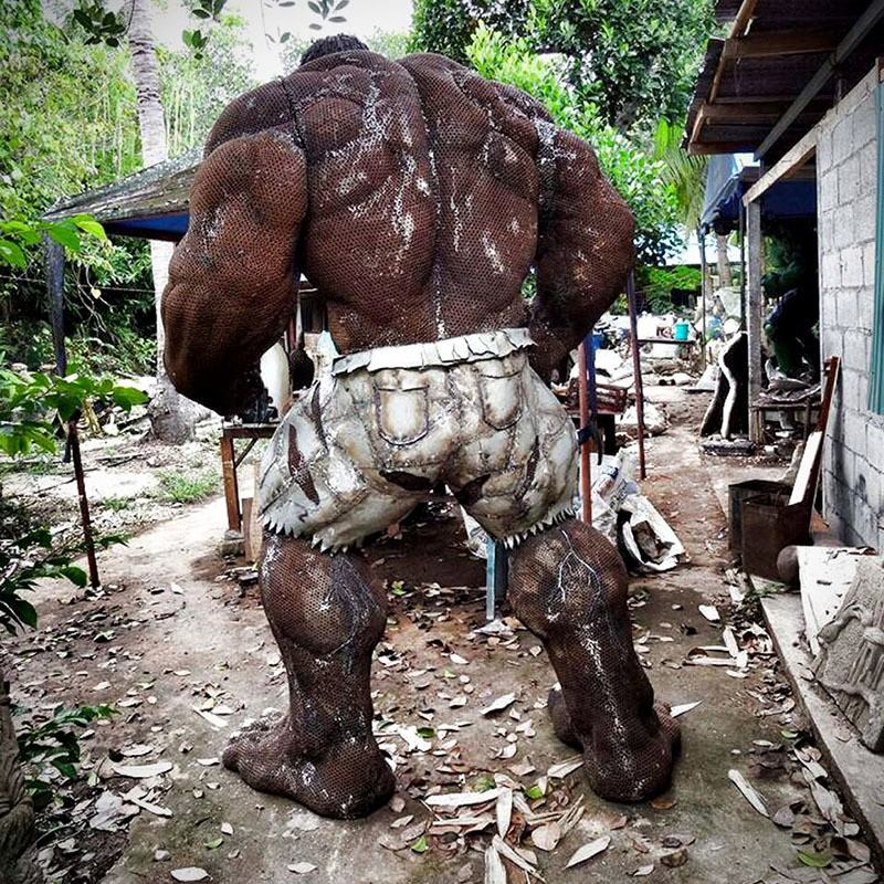 This Hulk Made Out Of Scrap Metal Will Smash Your Mind