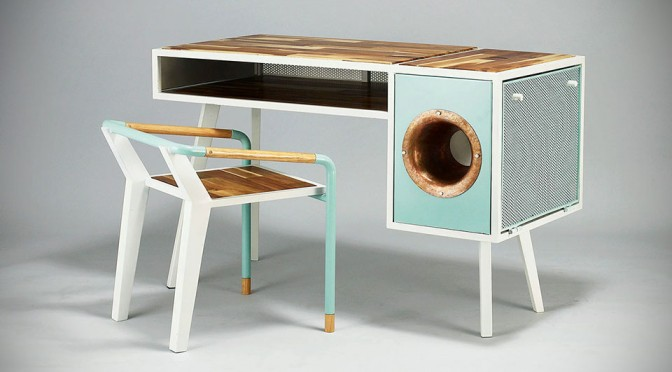 This Avant-Garde Desk Has a Built-in Natural Amplification Sound Dock for Smartphone