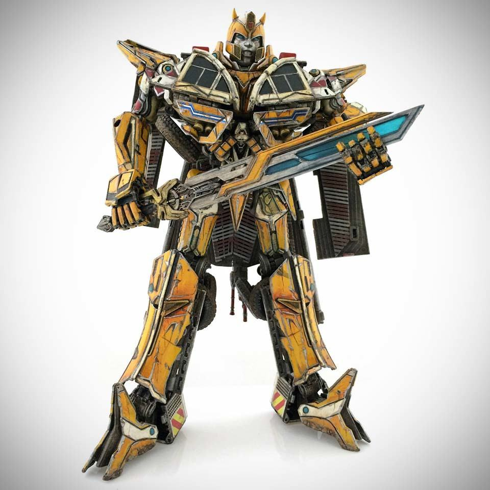someone turned transformers bumblebee into a prime and it looks