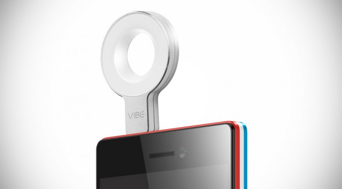 Lenovo VIBE X2 Pro and Xtension Selfie Flash at CES 2015