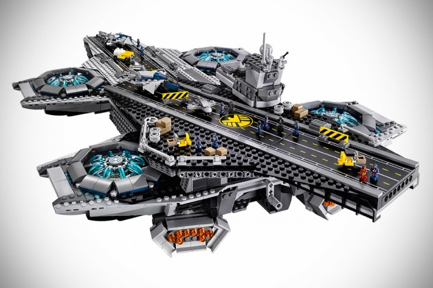 LEGO Marvel Superheroes- The SHIELD Helicarrier UCS 76042