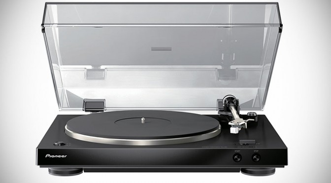 Pioneer PL-30 Vinyl Turntable