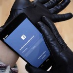 This Pair of Gloves Goes Beyond Touchscreen-friendly, Has NFC for Quick Access to Any App
