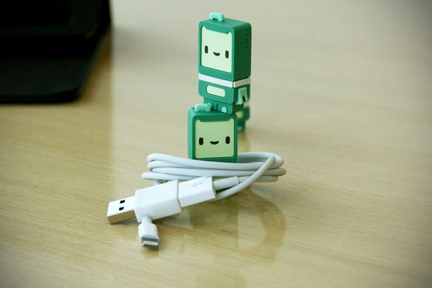 Ryo Reversible USB Adapter and Kushi Reversible USB Flash Drive