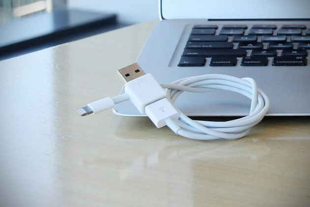 Ryo Reversible USB Adapter