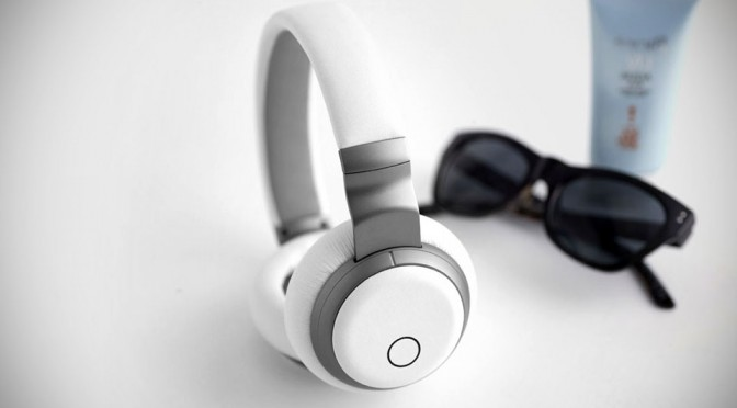 Aivvy Puts Pandora-like Service into a Pair of Headphones, But Requires no Internet for 'Music Streaming'