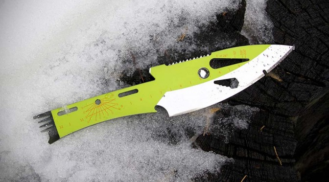 Besides Throwing, This Throwing Knife Has 22 Other Functions Built into it