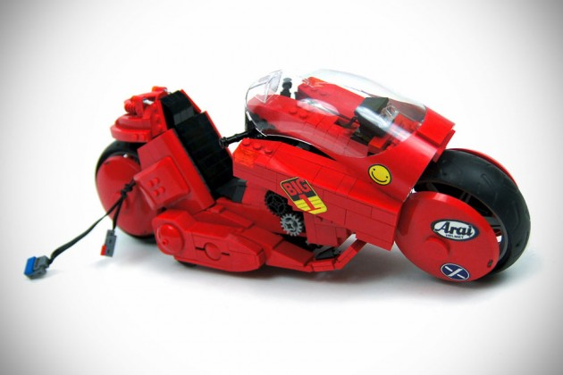 Akira Kaneda's Bike by Sariel's Custom LEGO Technic Creations