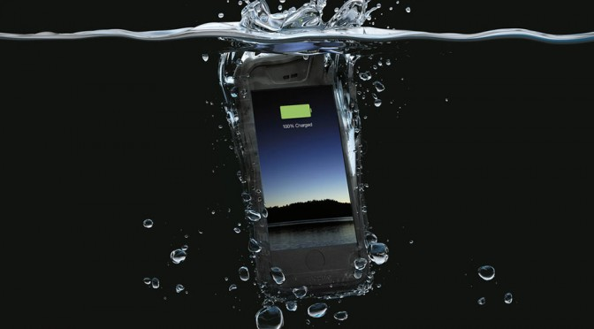 Mophie Juice Pack H2PRO Keeps Your iPhone 6 Juiced and Waterproof Too