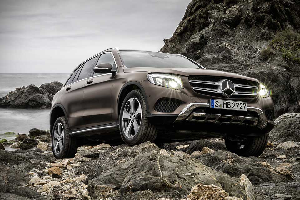 Mercedes benz glc compact utility vehicle unveiled four for Mercedes benz utility vehicle