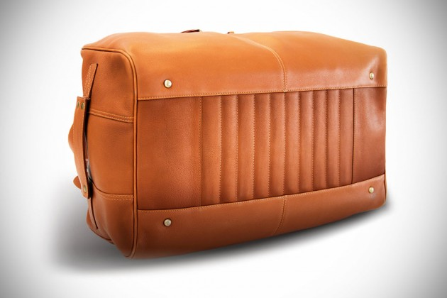 Classic Leather Duffel Bag by Chivote