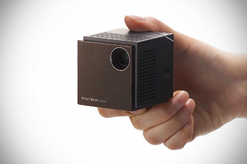 Uo smart beam laser projector puts 100 inch of crisp hd for Palm projector