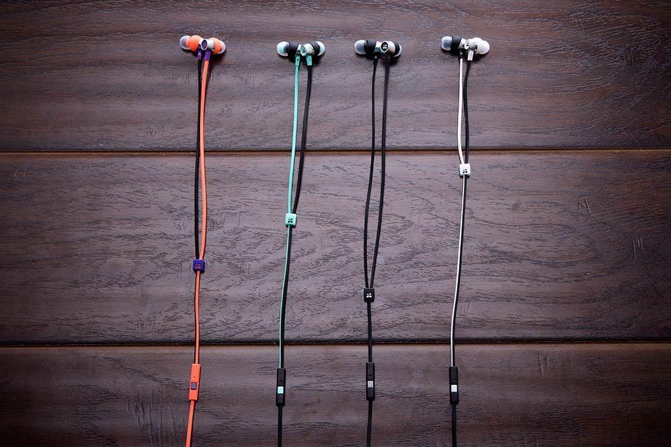 Zipbuds Zipperless Zipper In Ear Headphone Zips Up To