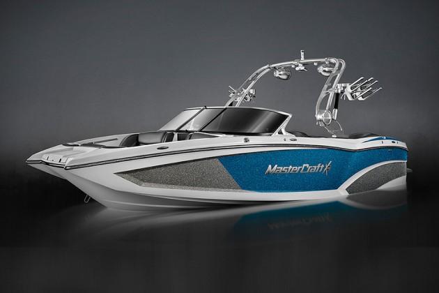 MasterCraft X23 Wave Making Boat