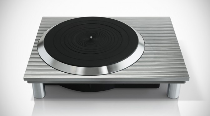 Panasonic Wants to Go Back to Analog Sound with New Technics Turntables