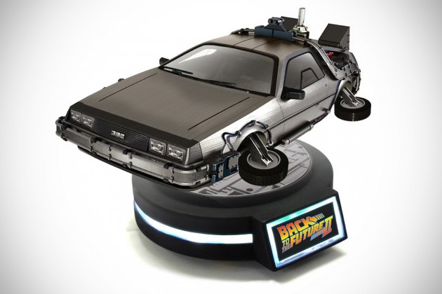 1/20 Magnetic Floating DeLorean Time Machine by Kids Logic