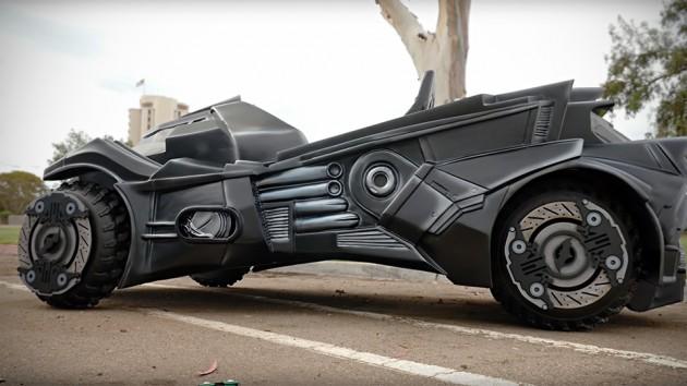 Arkham-Knight-Batmobile-Super-Gamer-Builds-image-2
