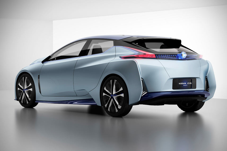 Nissan Unveils Self-driving Electric Car with Transforming ...