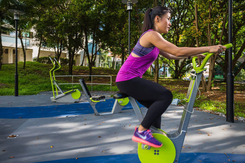 This Outdoor Fitness Corner In Singapore Lets You Charge ...