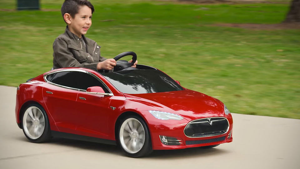 Radio Flyer S Tesla Model S For Kids Charges Like The Real