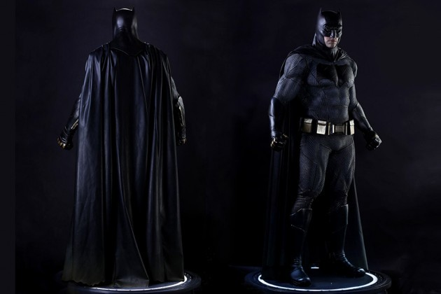 Hot Toys Batman v Superman Batman Life-size Collectible Figure
